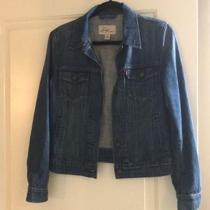 New Without Tags Levi's Denim Jacket Size Small